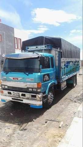Camion Hino FD, año 91, color celeste