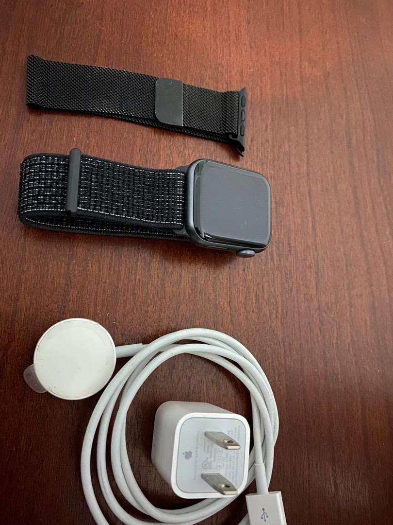 Apple Watch series 4 de 40 mm GPS + LTE 0