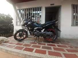 Se vende moto honda cbf150