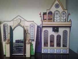Escuela para muñecas USADA