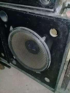Cajas con parlantes acustica
