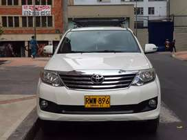 Vendo Toyota fortuner 4x2