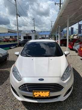 Vendo Ford Fiesta Blanco Automático - Excelente estado