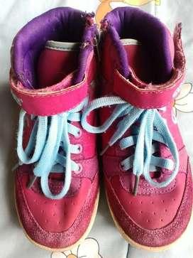 Vendo Zapatos Talla 30