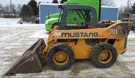 Minicargador Mustang 2109