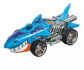 Coche Tiburon Hot Wheels monster action