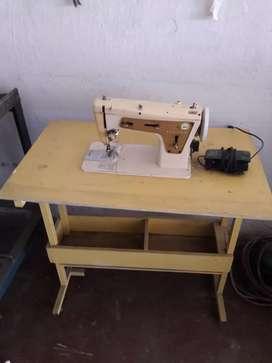 Maquina de coser singer en buen estado