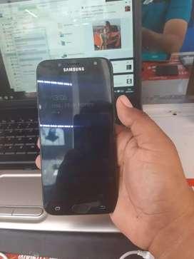 Samsung J7 pro con huella digital en buen estado