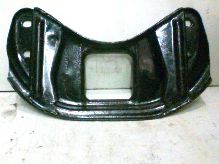 Travesaño montante de motor Ford Taunus Original 0
