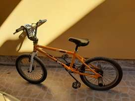 Vendo bicicleta Diamonback de salto. Rodado 20