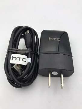 Cargador HTC de 1.5 amperios con canle micro USB