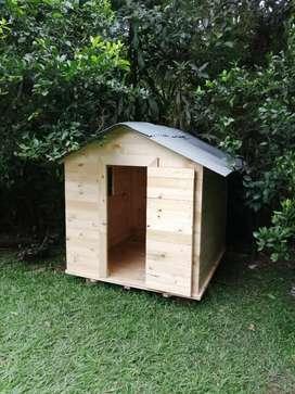 Casa para niños en madera de pino