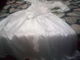 Vendo vestido de novia a muy favorable precio