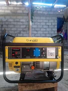 generador de electricidad en caja, tiene un mes de uso