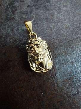 Dije Rostro Jesús Tallado en oro laminado de 18k