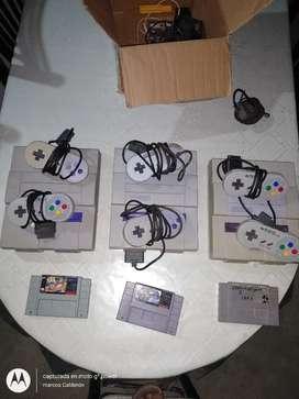 Vendo super Nintendo original japones .no clon no chino. Con un mando un juego cables y trasfornador . Otro mando sprd