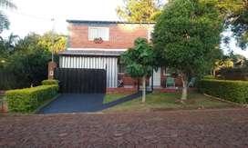 Vendo o permuto por chacra casa de dos plantas, tres habitaciones, excelente ubicación