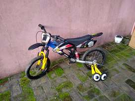 Bicicleta R 16 Moto Bike ruedines Poco Uso perfecta