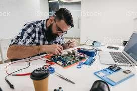 Se requiere Técnicos en Informatica