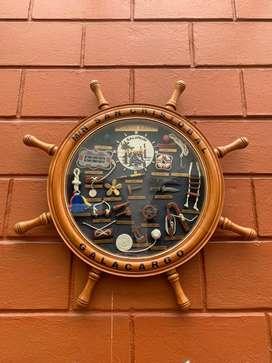Reloj adorno timon