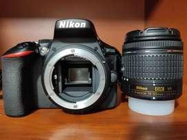 Cámara Nikon D5600 + lente 18-55