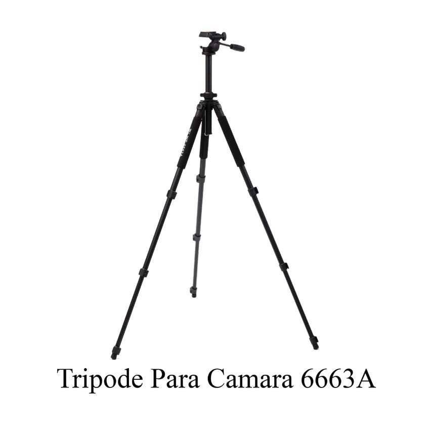 Tripode de Cabezal Fluido 1,85 Mts  para Camaras Profesionales 6663A