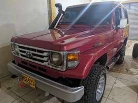 Toyota Land Cruiser Macho