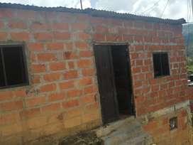 Casa 6 habitaciones sala cocina baño gas natural centrada