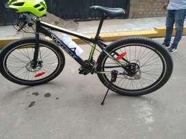 Bicicleta trek negra