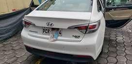Vendo Hyundai Sonata . En exelentes condiciones. El caro es de mes diciembre, como 2017