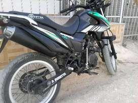 Vendo moto AKT TT 150