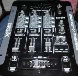 Vendo consola sound Xtreme de 3 canales modelo SMX-203