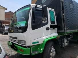 Camión con cupo de carga 10 Toneladas