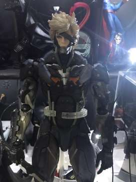 Square Enix metal gear Rising: Revengeance Play Arts Kai