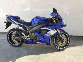 Yamaha R1 inmaculada
