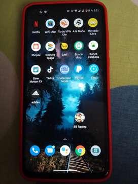 Se vende celular Moto g8 power
