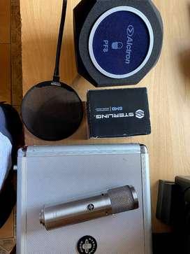 Se vende combo: Micrófono condensador +   araña de micrófono + filtro de voz (Pop Filter) + isolación acústica.
