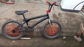Bicicleta BMX GT, precio negociable