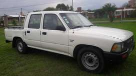 Vendo Toyota Hilux doble cabina. Impecable!!