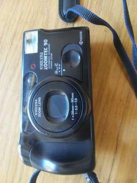 Vendo cámara de fotos Kyocera 90