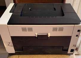 Vendo para reparar o utilizar los REPUESTOS, impresora laser jet cp 1025 nw color.
