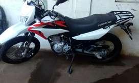 Hermosa XR150 Blanca y negro  seguro y tecno noviembre de 2020
