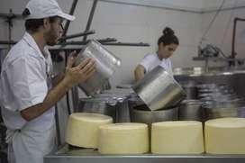 se vende fabrica de queso trabajando 5000 litros