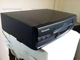 Video  casettera Panasonic solo NTSC, Mod. PV-V 4020 4 CABEZAS