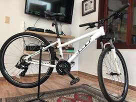 Bicicleta todoterreno GT