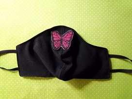 Barbijo con aplique mariposa. Unico