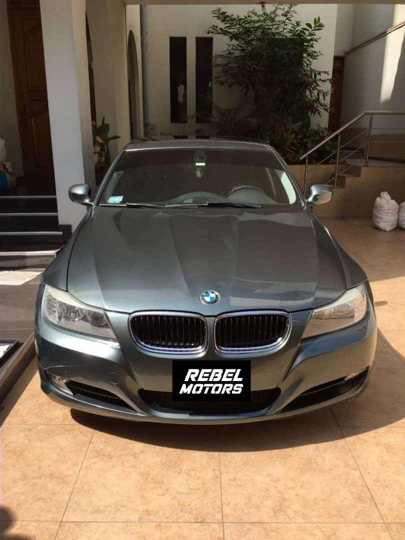 861. BMW 318i 0