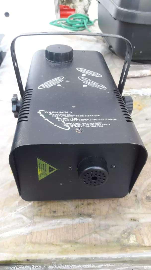 Maquina De Humo Z800 (a reparar) tiene 3 usos 0