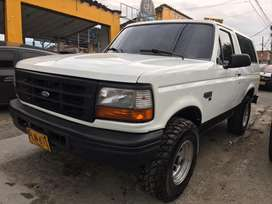 Ford Bronco XLT Elite