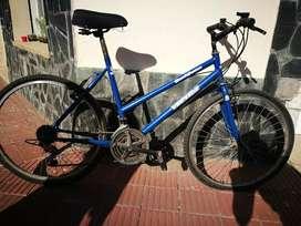 Vendo bicicleta buen estado.